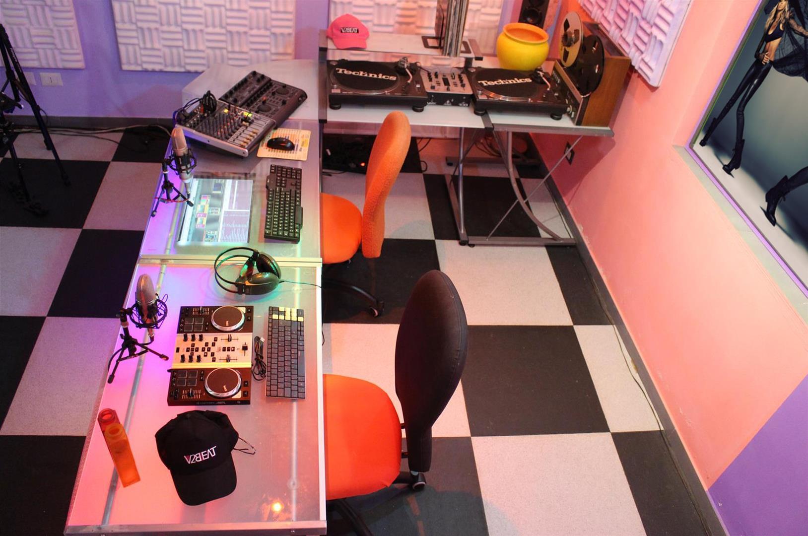Studio (large)